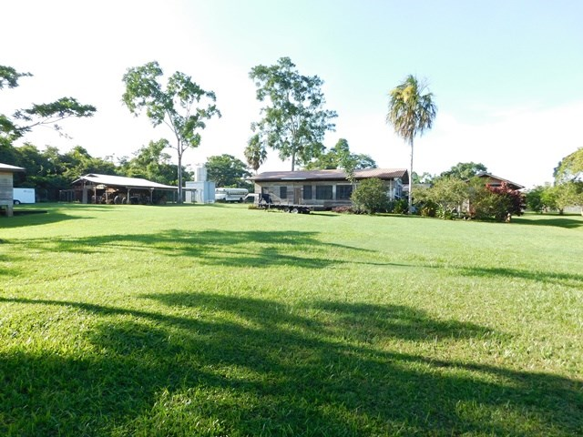 Remax real estate, Belize, Belmopan, #2142 - 4 BEDROOM HOUSE + 6 BUILDINGS WITH 2.8 ACRES OF RIVERSIDE LAND NEAR BELMOPAN