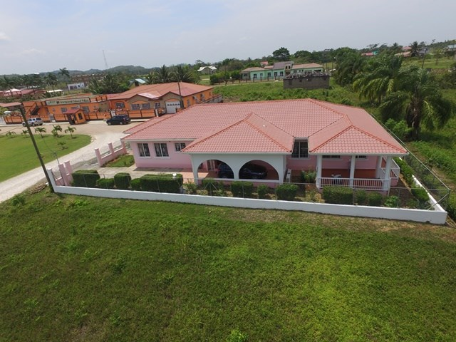 Remax real estate, Belize, Belmopan, # 2193 - 4 BEDROOM HOUSE - BELMOPAN CITY, CAYO DISTRICT
