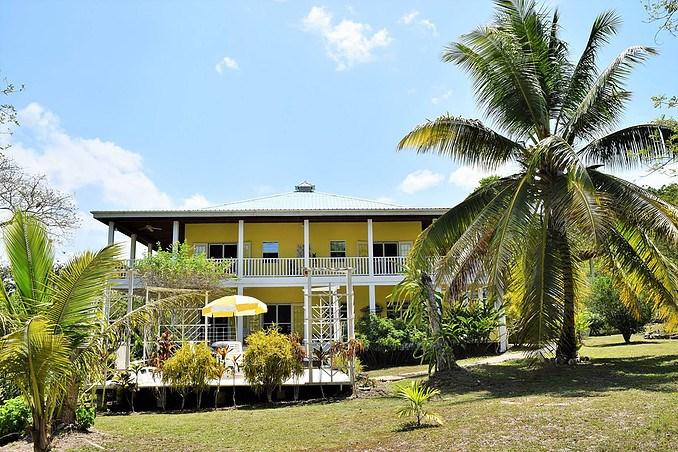 Remax real estate, Belize, San Ignacio, #2185 -  A SPACIOUS 3 BEDROOM HOUSE 0N 53 ACRES LOCATED CLOSE TO SAN IGNACIO, CAYO DISTRICT.