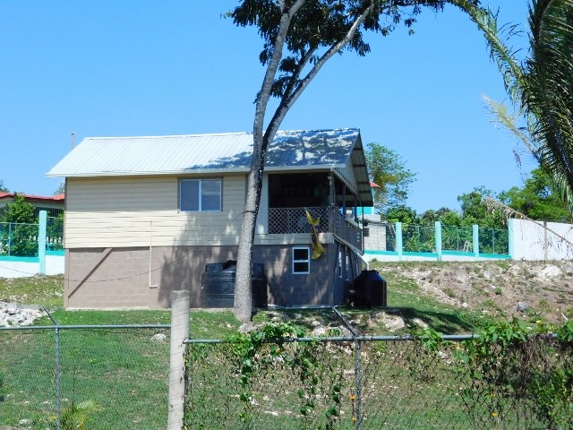 Remax real estate, Belize, San Ignacio, # 2196 - ONE BEDROOM HOUSE + 38 ACRES - NEAR SAN IGNACIO, CAYO DISTRICT