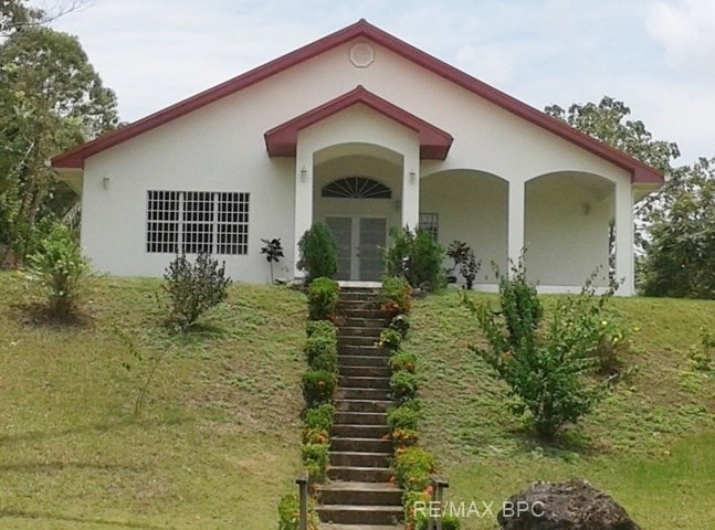 Remax real estate, Belize, Belmopan, # 2203 - 3 HOUSES + 22 ACRES OF LAND - near BELMOPAN, CAYO DISTRICT