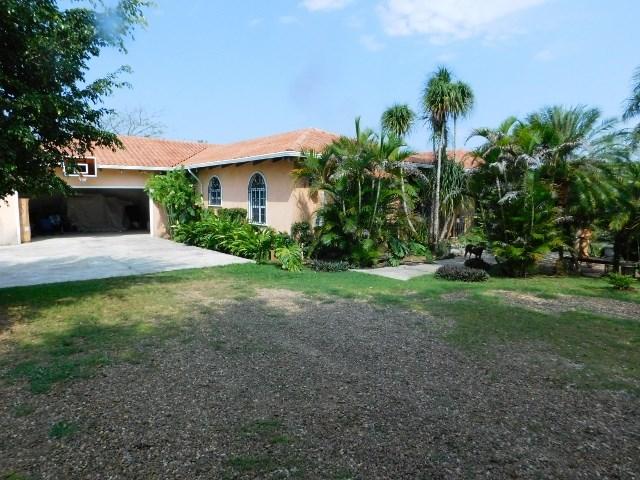 Remax real estate, Belize, Belmopan, #2213 - 3 BEDROOM HOUSE - near BELMOPAN, CAYO DISTRICT
