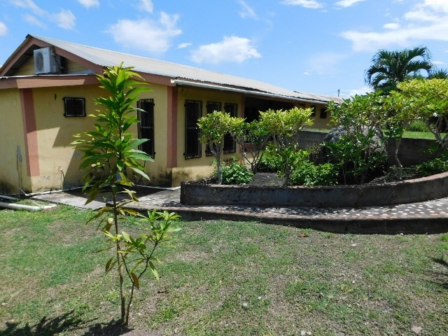 Remax real estate, Belize, San Ignacio, #2246 - 3 BEDROOM HOUSE - SAN IGNACIO, CAYO DISTRICT