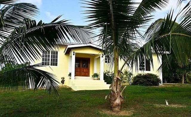 RE/MAX real estate, Belize, Dangriga, #2267 - 3 BEDROOM HOUSE IN A GATED COMMUNITY ON THE HUMMINGBIRD HWY., STANN CREEK DISTRICT, BELIZE.