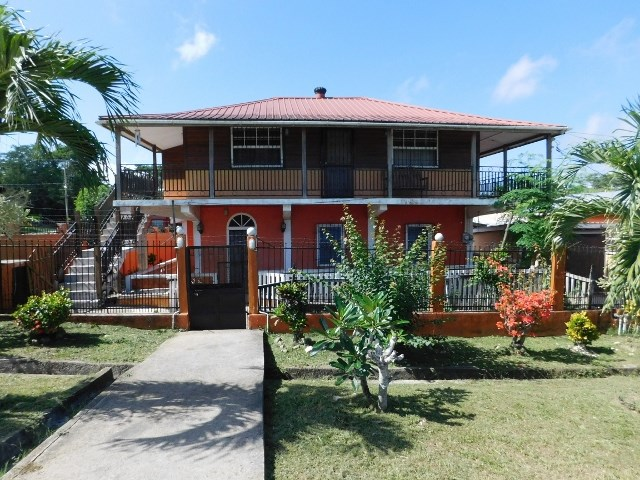 Remax real estate, Belize, San Ignacio, # 2268 -  3 BEDROOM HOUSE + GUEST HOUSE - SAN IGNACIO, CAYO DISTRICT, BELIZE