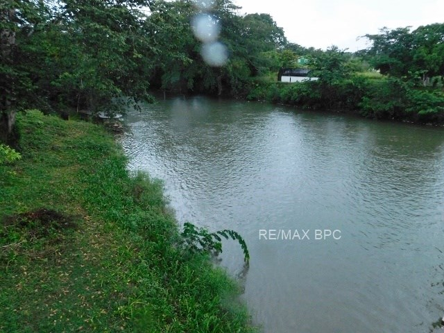 Remax real estate, Belize, San Ignacio, #2278 - 0.4 ACRES OF RIVERSIDE LAND IN CALLA CREEK VILLAGE, CAYO DISTRICT, BELIZE