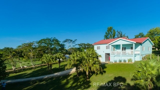 Remax real estate, Belize, San Ignacio, #2281 - A 3 BEDROOM HOUSE WITH RENTAL CABIN ON 1.6 ACRES NEAR SAN IGNACIO, CAYO DISTRICT, BELIZE.