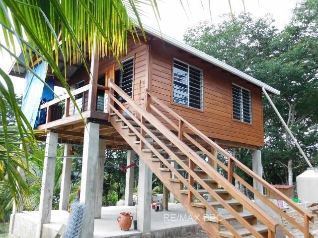 Remax real estate, Belize, San Ignacio, #2285 - ONE BEDROOM HOUSE + 3 LOTS NEAR SAN IGNACIO, CAYO DISTRICT, BELIZE