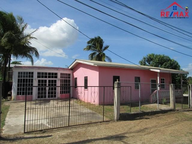 RE/MAX real estate, Belize, San Ignacio, # 4009 - BELIZE 3 BEDROOM HOUSE + STUDIO APARTMENT - San Ignacio Town, Cayo District