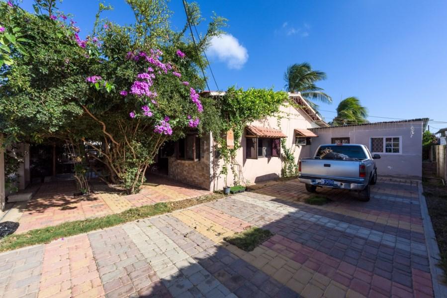 RE/MAX real estate, Aruba, Pos Chikito, Sabana Basora 15 E