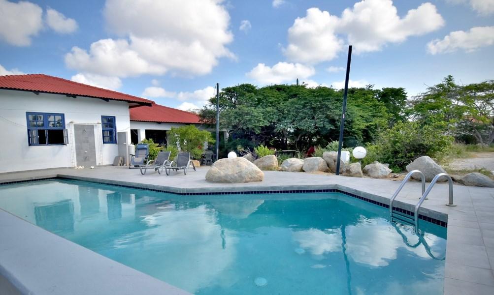 RE/MAX real estate, Aruba, Oranjestad, Luxemburgstraat 10