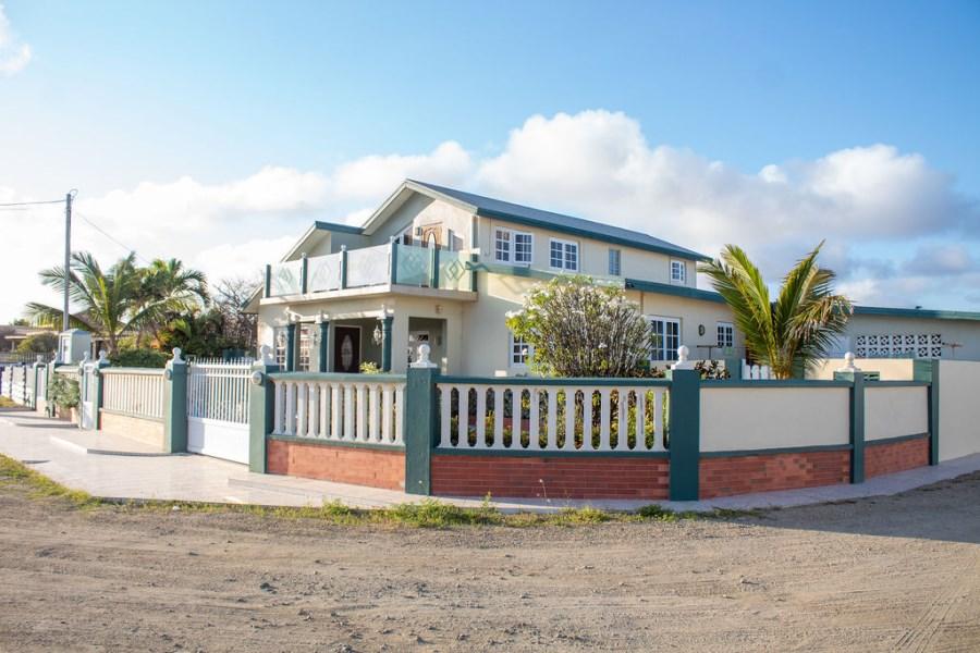 RE/MAX real estate, Aruba, Sint Nicolaas, Golf Weg 1