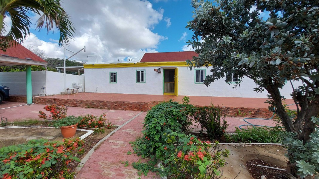 RE/MAX real estate, Aruba, Santa Cruz, Papilon 51