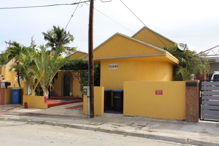 RE/MAX real estate, Aruba, Oranjestad, Tanki Leendert 135-E