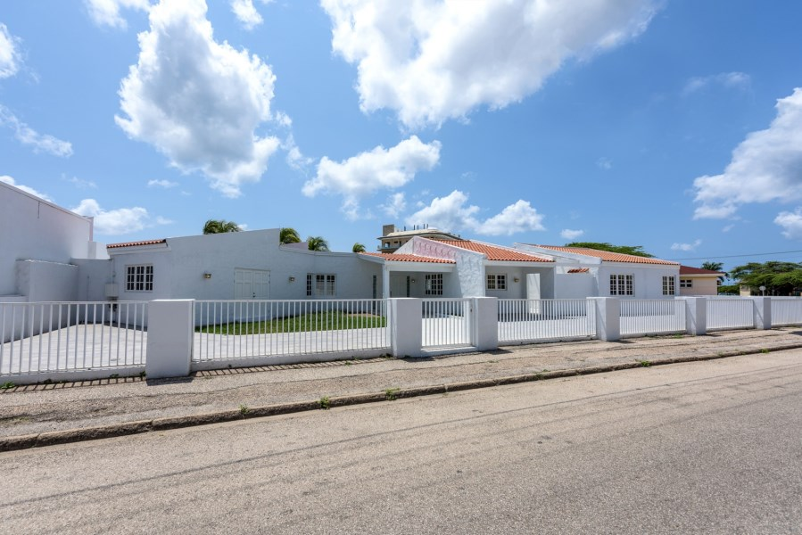 RE/MAX real estate, Aruba, Oranjestad, George Maduro straat 4