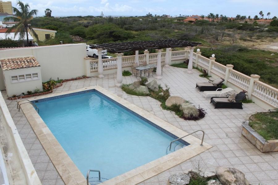 RE/MAX real estate, Aruba, Oranjestad, Bakval 16 I