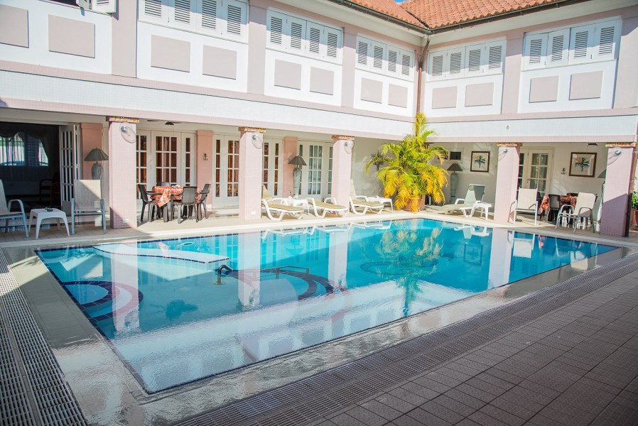 RE/MAX real estate, Aruba, Oranjestad, Kamerlingh  Onnestraat nr.50, 54-B, 54-C