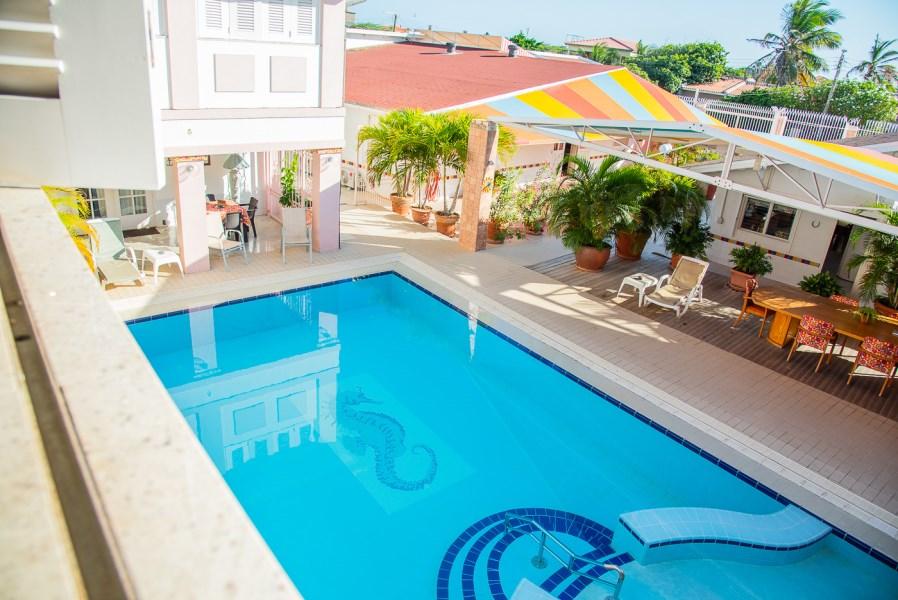 RE/MAX real estate, Aruba, Oranjestad, Kamerlingh Onnestraat 50