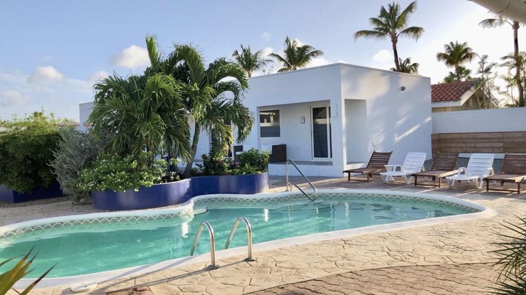 RE/MAX real estate, Aruba, Noord, Koyari - 1 Bedroom Apartment (#2) - Private Patio - For Rent