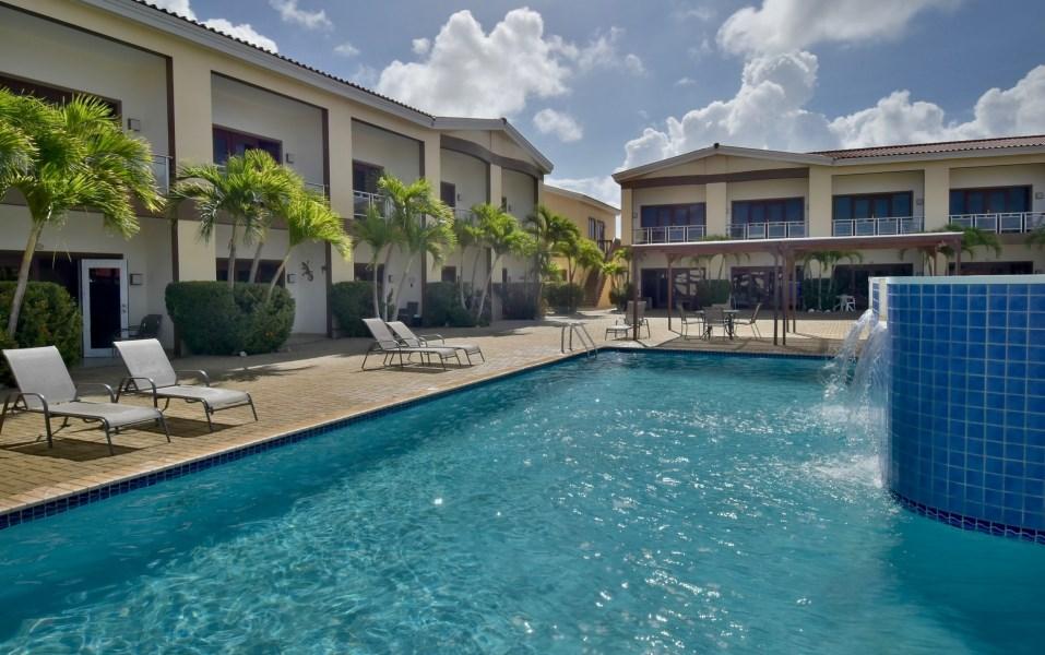 RE/MAX real estate, Aruba, Oranjestad, Aruba Breeze Condo - For Rent