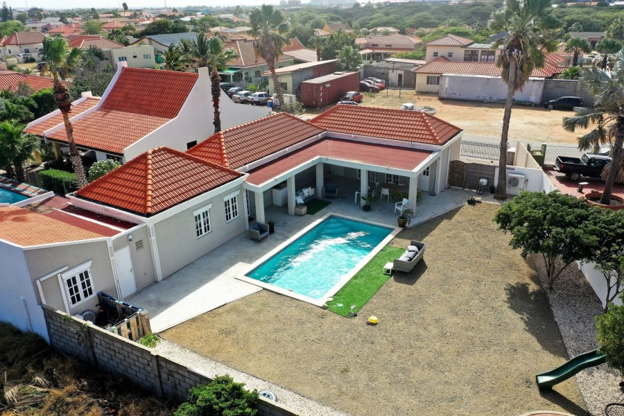 RE/MAX real estate, Aruba, Oranjestad, Caya Luna 46