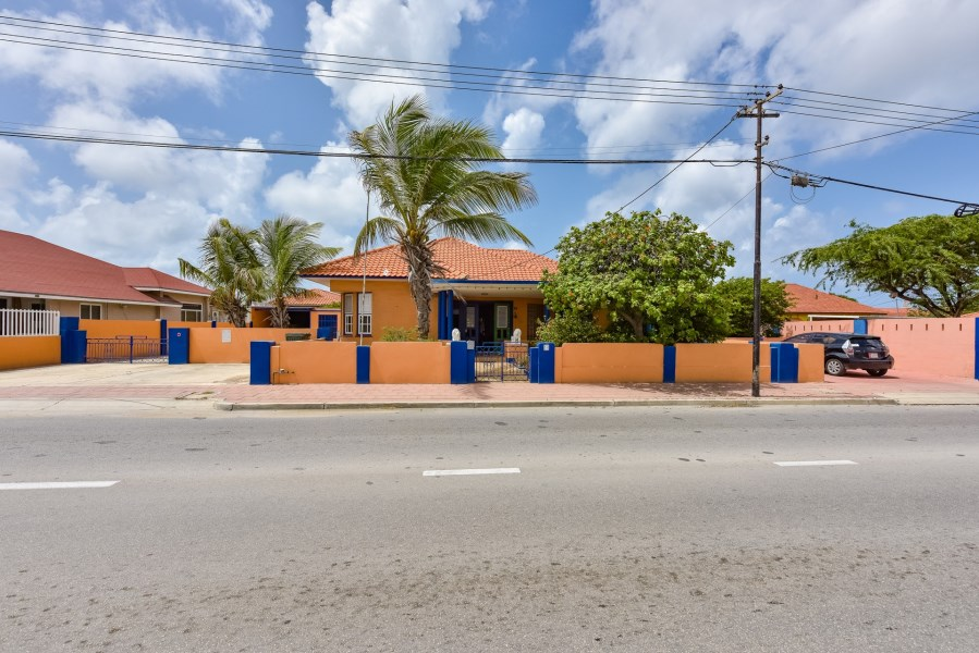 RE/MAX real estate, Aruba, Oranjestad, De La Sallestraat 14