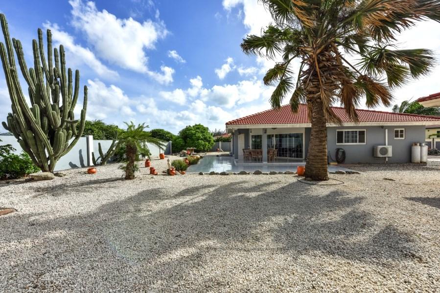 RE/MAX real estate, Aruba, Oranjestad, Tanki Leendert 95-G