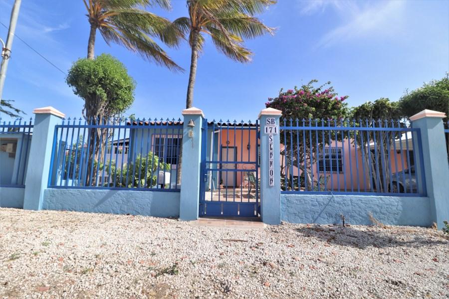 RE/MAX real estate, Aruba, Pos Chikito, Sabana Basora 171
