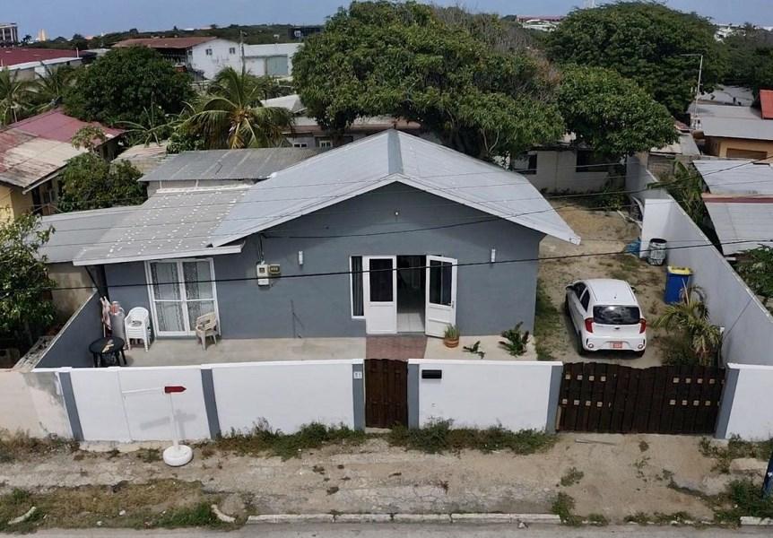 RE/MAX real estate, Aruba, Oranjestad, Bacobastraat 1