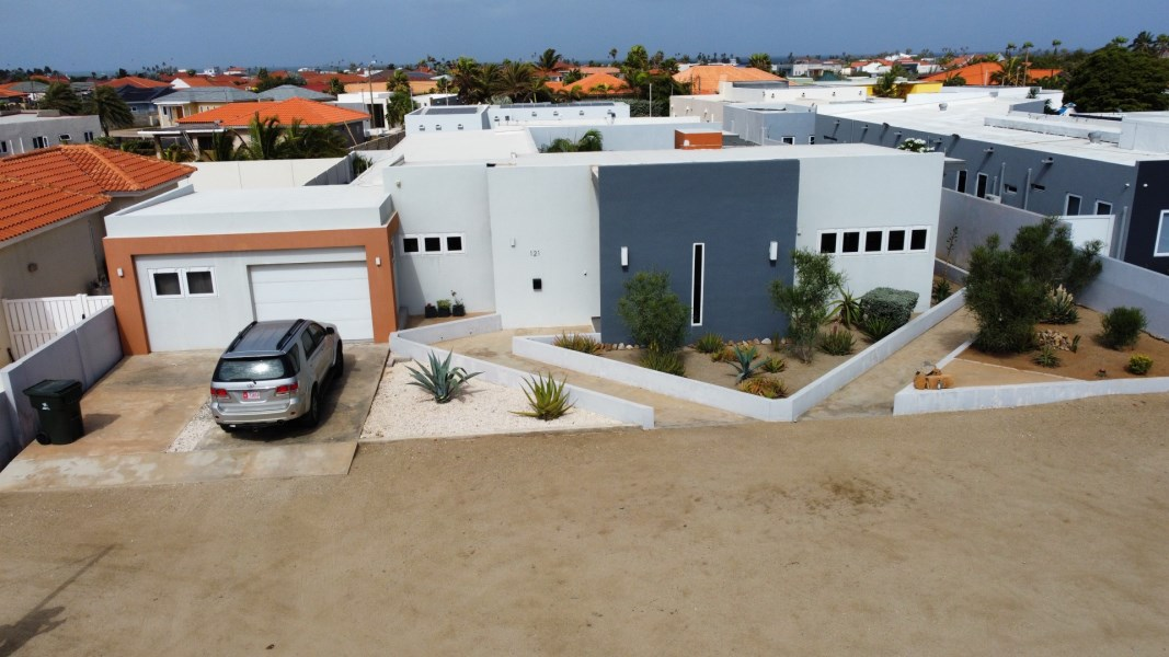 RE/MAX real estate, Aruba, West Punt, Esmeralda 121