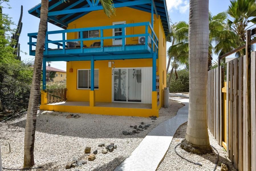 RE/MAX real estate, Aruba, Paradera, Papaya 9-G Apartment Complex