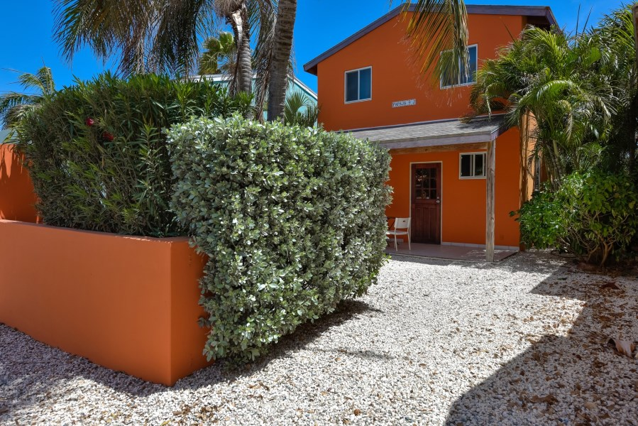 RE/MAX real estate, Aruba, Paradera, Papaya 9-J Apartment Complex