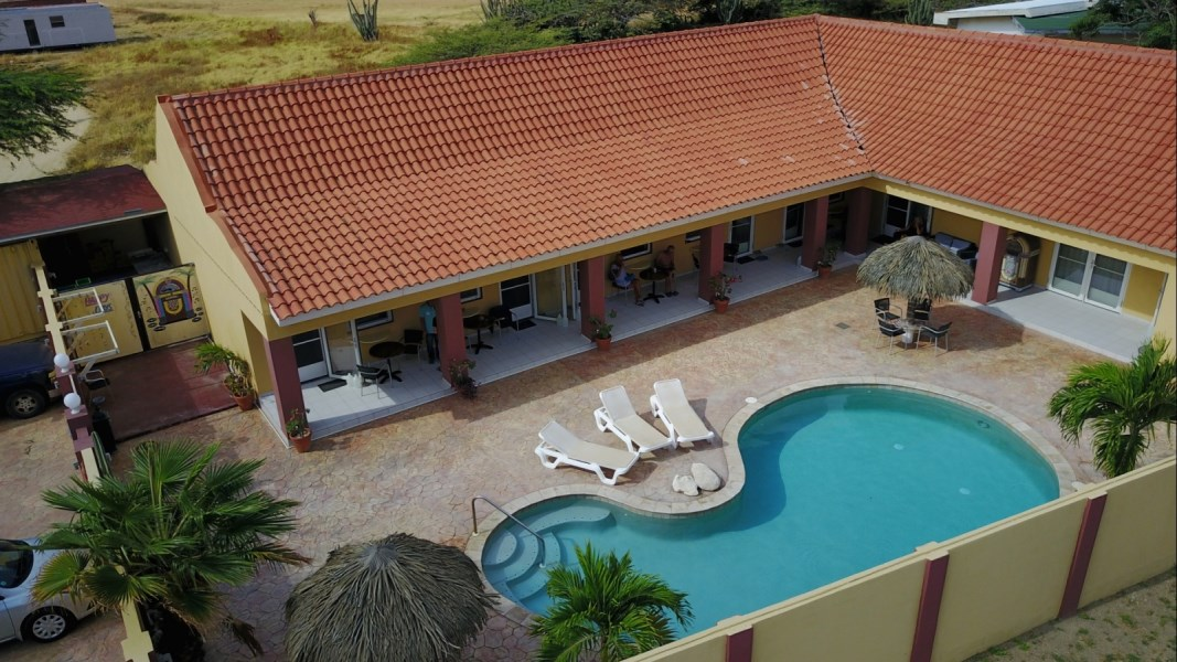 RE/MAX real estate, Aruba, Oranjestad, Tanki Leendert house with 5 apartments