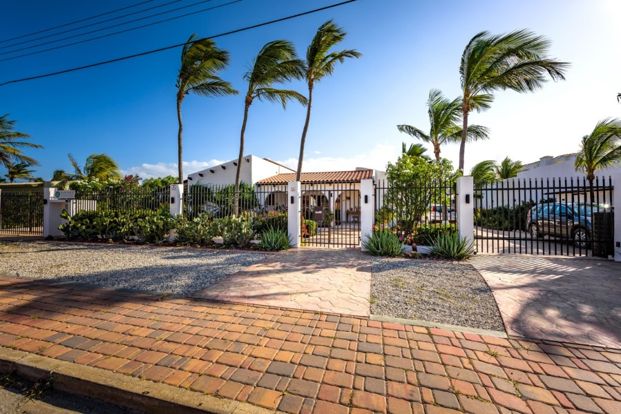 RE/MAX real estate, Aruba, Noord, Salinja Cerca 25-D