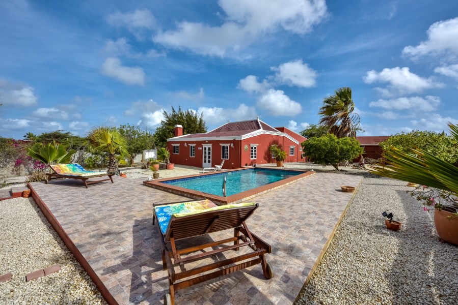RE/MAX real estate, Aruba, Paradera, Moko 34 Traditional Cunucu style house