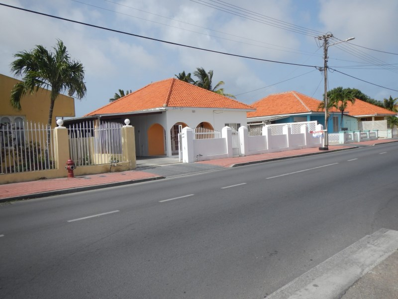RE/MAX real estate, Aruba, Sint Nicolaas, Bernardstraat 237