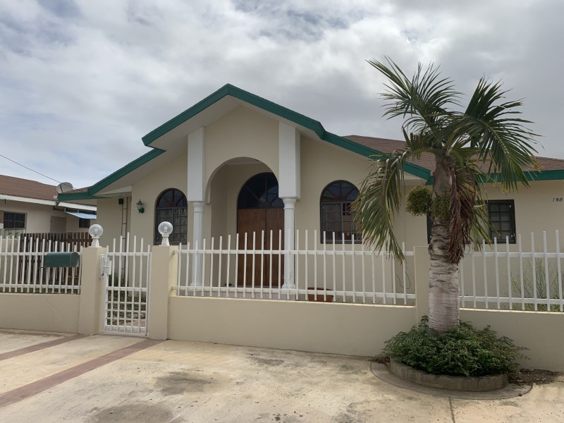 RE/MAX real estate, Aruba, Oranjestad, Seroe Patrishi 19-B