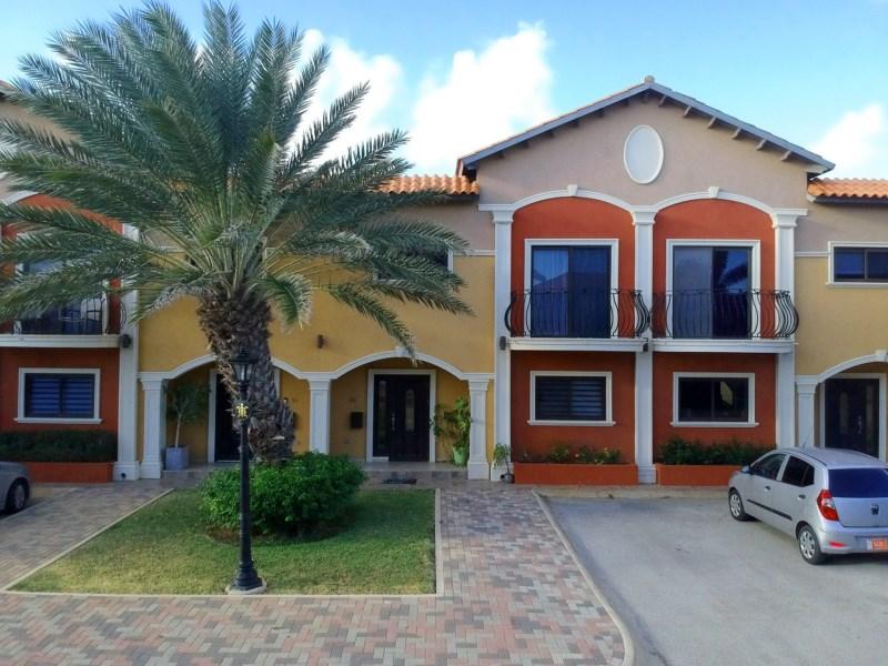 RE/MAX real estate, Aruba, West Punt, Gold Coast Townhouse