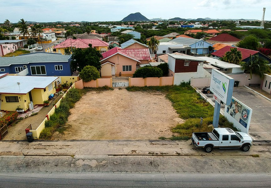 RE/MAX real estate, Aruba, Oranjestad, Private property De Lasalle straat