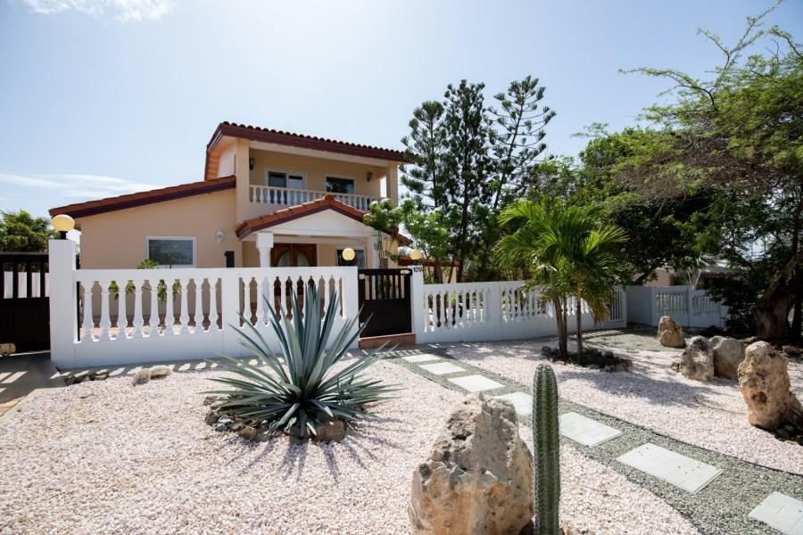 RE/MAX real estate, Aruba, Oranjestad, Alto Vista 101 - A
