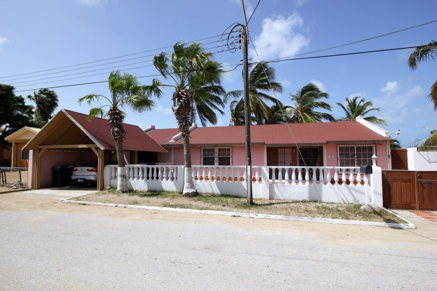 RE/MAX real estate, Aruba, Pos Chikito, Sabana Basora 156