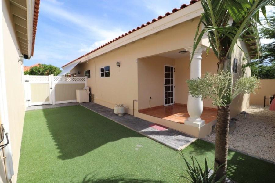RE/MAX real estate, Aruba, Paradera, Paradera 117 L