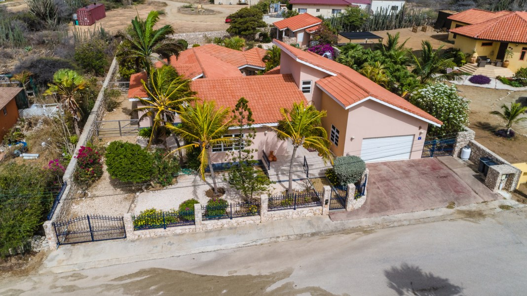 RE/MAX real estate, Aruba, Santa Cruz, Bringamosa 1-A
