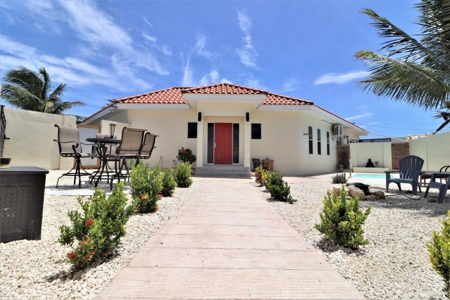 RE/MAX real estate, Aruba, Noord, Salinja Cerca 9-B Villa and Apartments