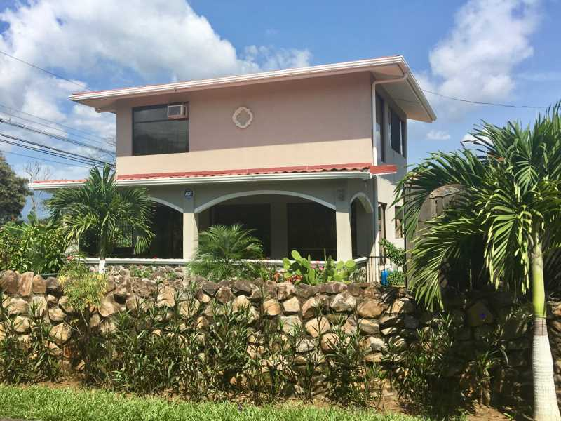 Remax real estate, Costa Rica, Atenas, House in quiet neighborhood with beautiful finishes