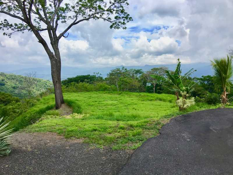 Remax real estate, Costa Rica, Atenas, This lot is located in gated community only 7minutes from the center of Atenas.