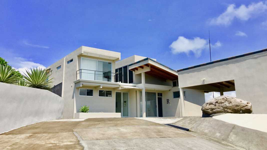 Remax real estate, Costa Rica, Orotina, Luxurious modern home.