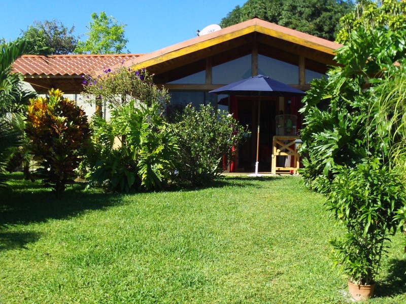 Remax real estate, Costa Rica, Atenas, Cozy Home in Atenas, Santa Eulalia.