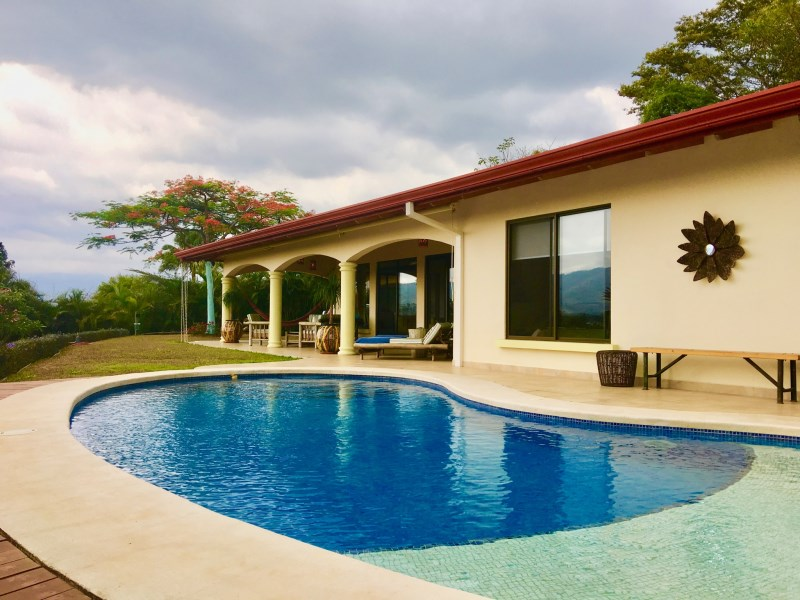 Remax real estate, Costa Rica, Atenas, Elegant home with views and pool