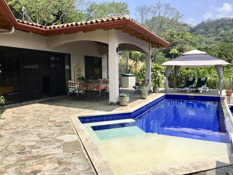 Remax real estate, Costa Rica, Atenas, Home in gated community - beautiful mountain views